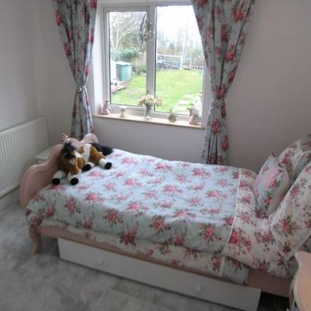 Rent this 3 bed house on Hill Crest Avenue in Brierley Hill DY5 3QJ, United Kingdom