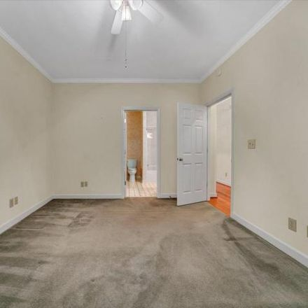 Rent this 3 bed condo on 3492 Laurel Circle in Cave Spring, VA 24018