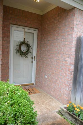Rent this 3 bed apartment on Clear Creek Rd in Collierville, TN