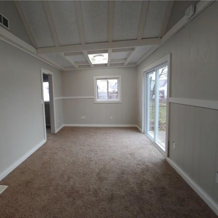 Rent this 3 bed house on 235 West Locust Street in Shelbyville, IN 46176