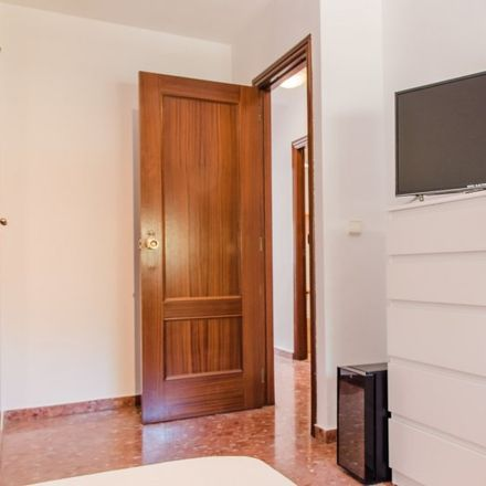 Rent this 5 bed apartment on Mercadona in Calle Maestro Lope, 46100 Burjassot