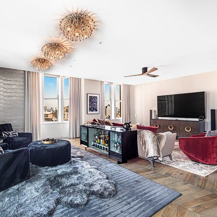 Rent this 3 bed loft on 49 Chambers Street in New York, NY 10007
