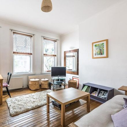 Rent this 1 bed apartment on Londis in 121 Saint John's Hill, London SW11 1SZ