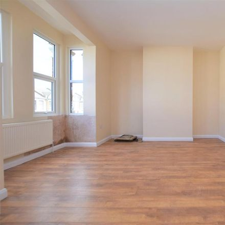 Rent this 4 bed house on Hampton Road in London IG1 1HZ, United Kingdom