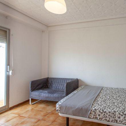Rent this 3 bed room on 098 Sants Just i Pastor in Carrer dels Sants Just i Pastor, 46021 Valencia