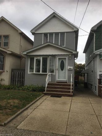 Rent this 3 bed house on Brooklyn