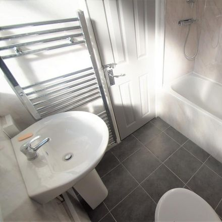 Rent this 3 bed house on Swan Lane in Coventry CV2 4GG, United Kingdom
