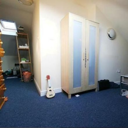 Rent this 5 bed apartment on Audley Road in Newcastle upon Tyne NE3 1QH, United Kingdom