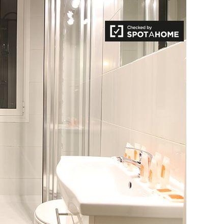 Rent this 2 bed apartment on Seminario Conciliar de la Inmaculada y San Dámaso in Cuesta de las Descargas, 28001 Madrid