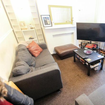 Rent this 3 bed house on Clark Road in Leeds LS9 8QQ, United Kingdom