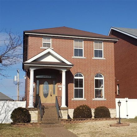 Rent this 3 bed loft on 3935 McRee Avenue in City of Saint Louis, MO 63110