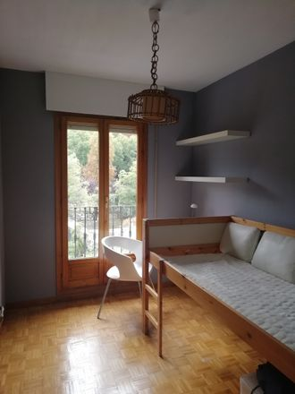 Rent this 3 bed room on Calle de San Marcos in 16, 40003 Segovia