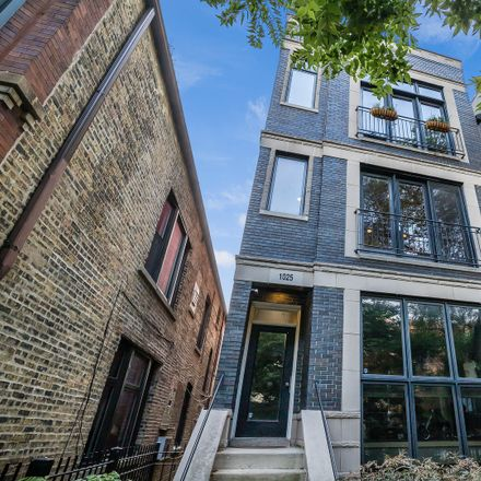 Rent this 2 bed townhouse on 1025 North Honore Street in Chicago, IL 60622