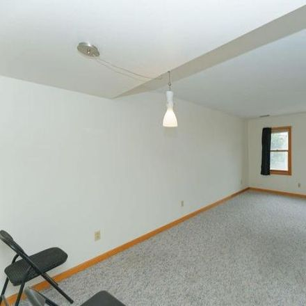Rent this 4 bed house on Palais Royale Grill in Jefferson Street, Albany