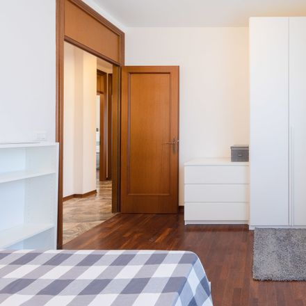Rent this 6 bed room on Via Dei Giacinti in 8c, 35126 Padova PD
