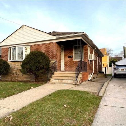 Rent this 3 bed house on 150th St in Flushing, NY