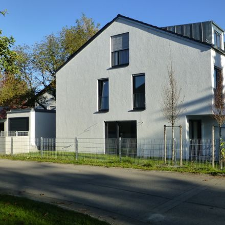 Rent this 6 bed duplex on Siemens Deutschland Niederlassung München in Otto-Hahn-Ring, 81739 Munich