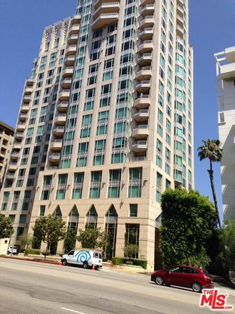 Rent this 2 bed condo on Wilshire Blvd in Los Angeles, CA