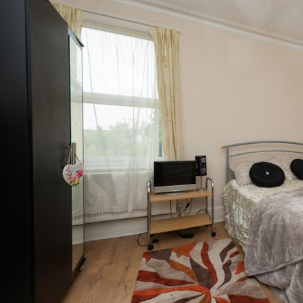 Rent this 3 bed apartment on Arran Road in London SE6 2LT, United Kingdom