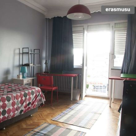 Rent this 3 bed room on Akağalar Cd. in Şişli/İstanbul, Turkey