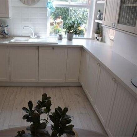 Rent this 2 bed apartment on Cornwall Place in Mumbles SA3 4, United Kingdom