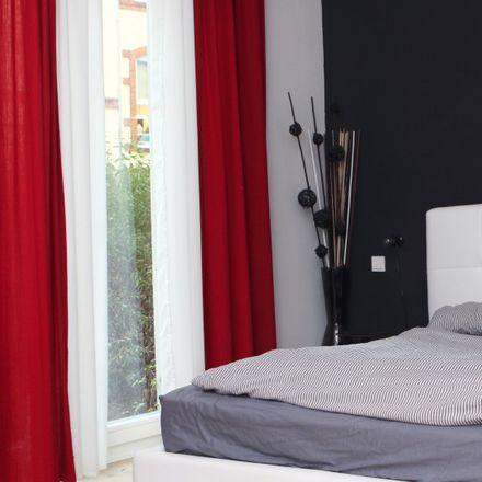 Rent this 1 bed apartment on Finanzamt Mitte/Tiergarten und Nigerianische Botschaft in Neue Jakobstraße, 10179 Berlin