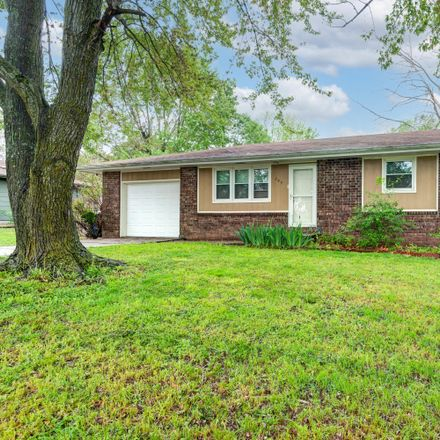 Rent this 3 bed house on 205 North Teakwood Avenue in Republic, MO 65738