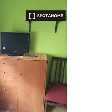 Rent this 1 bed room on Farmàcia Josep Miquel Simon Baron in Carrer de Belchite, 13-15
