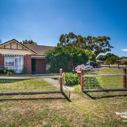 Rent this 3 bed house on 6 Greythorn Road