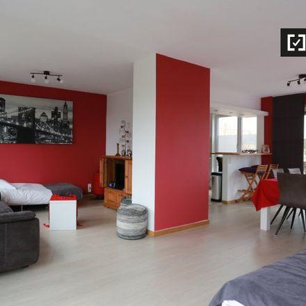 Rent this 2 bed apartment on Avenue des Croix de Guerre - Oorlogskruisenlaan 141 in 1120 Ville de Bruxelles - Stad Brussel, Belgium