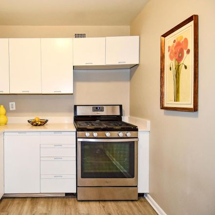 Rent this 1 bed condo on 4977 Battery Lane in Bethesda, MD 20814