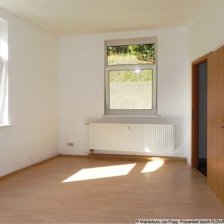 Rent this 2 bed apartment on Melanchthonstraße 24 in 08468 Reichenbach, Germany