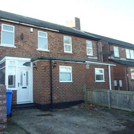 Rent this 3 bed house on Public Footpath sign in A190, Seghill NE23 7EJ