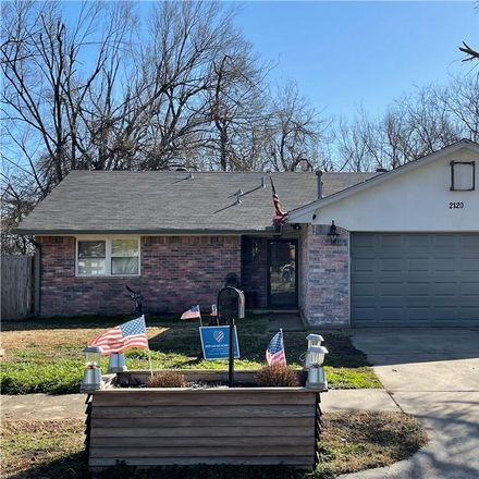 Rent this 3 bed house on 2120 Whiteoak Circle in Norman, OK 73071