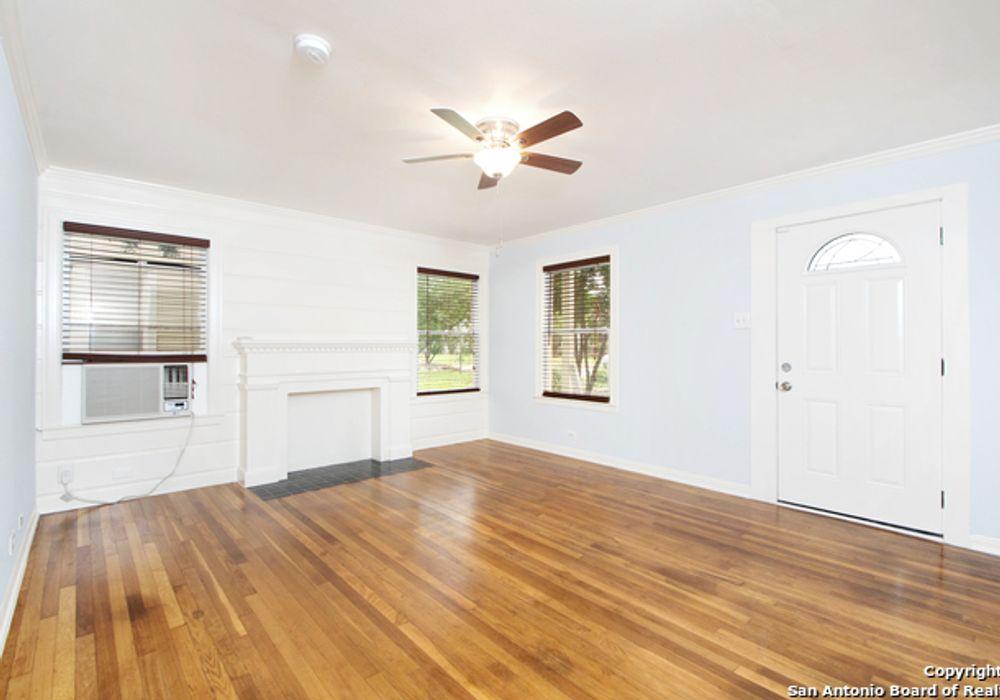 2 bed duplex at 1526 W Huisache Ave, San Antonio, TX, USA ...