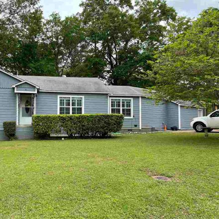 Rent this 3 bed house on Flanagan Dr in Longview, TX