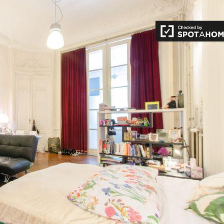 Rent this 3 bed apartment on bandstand in Rue Vandenbroeck - Vandenbroeckstraat, 1050 Ixelles - Elsene