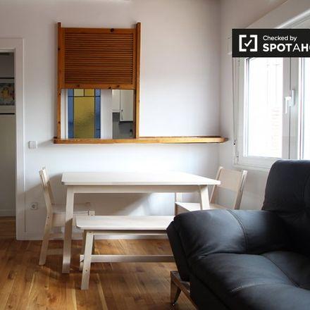 Rent this 2 bed apartment on El Corte Inglés in Plaza de Callao, 2
