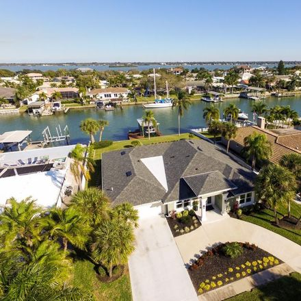 Rent this 4 bed house on 695 Island Way in Clearwater, FL 33767