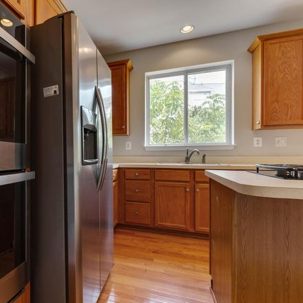 Rent this 3 bed townhouse on 13620 Acorn Hunt Pl in Herndon, VA