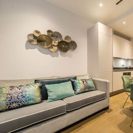 Rent this 3 bed apartment on Bupa Health and Dental Centre in 123 Chancery Lane, Blackfriars