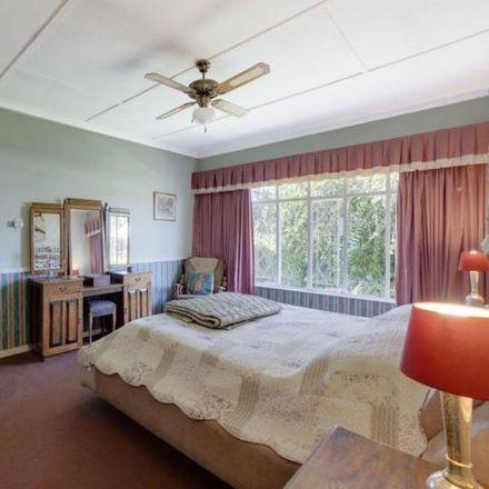 Rent this 4 bed house on KFC in Rahima Moosa Street, Johannesburg Ward 123