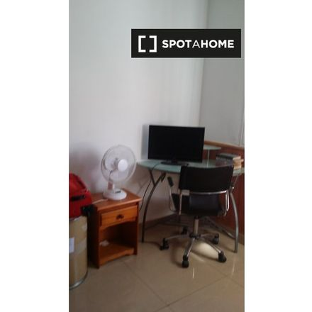 Rent this 3 bed room on Carril de las Morillas in 13, 29010 Málaga