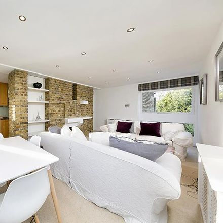 Rent this 3 bed apartment on Cassel Hospital in 1 Ham Common, London TW10 7JF