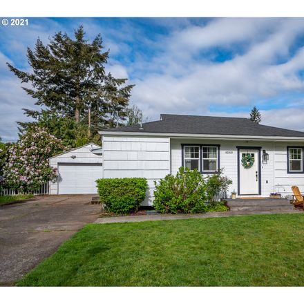 Rent this 3 bed house on 4049 Southeast 114th Avenue in Portland, OR 97266