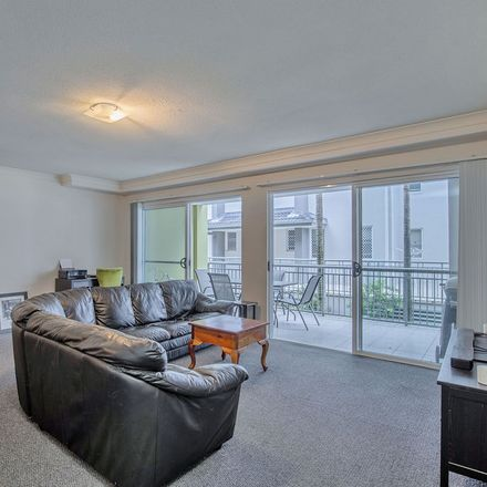 Rent this 2 bed apartment on 702/33 Clark Street