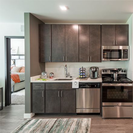 Rent this 3 bed apartment on The 505 on Walnut in 505 Walnut Avenue, Syracuse