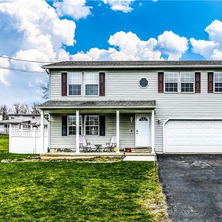Rent this 3 bed house on Ontario Ave in Syracuse, NY
