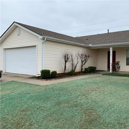 Rent this 3 bed house on Hunting Horse Trail in Norman, OK 73071