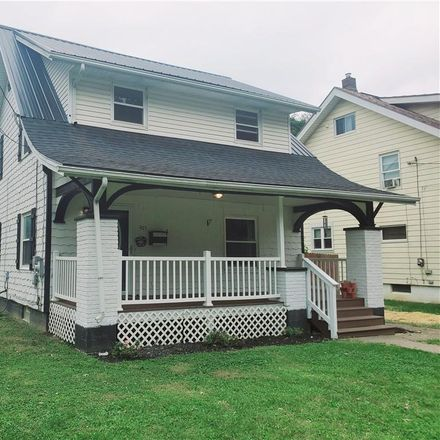 Rent this 4 bed house on 903 Vince Avenue Northwest in Harter Heights, Canton